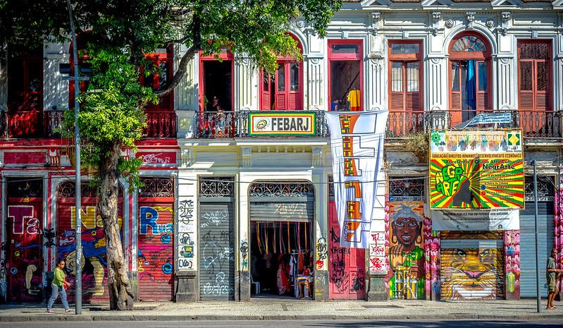 Brazilian Facade (Rio de Janeiro, Brazil. Gustavo Thomas © 2015)