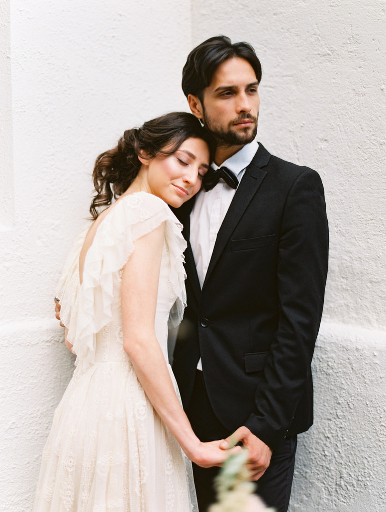 Spanish style wedding shoot | photo by Elena Pavlova | Fab Mood - UK wedding blog #weddinginspiration