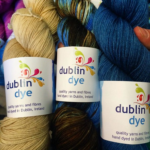 I met these beauties at #edinyarnfest. The quality colorways and dedication to customers set @dublindye apart. Wouldn't this trio be great together?! #knitting #knitstagram #knittersofinstagram #dublindye #yarn #irishyarn #handdyedyarn #yarnsnob