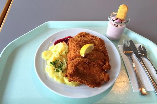 """Pork escalope """"Vienna style"""" with potato salad & cranbeeries / Schweineschnitzel """"Wiener Art"""" mit Kartoffelsalat & Preiselbeeren"""