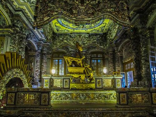 Hué: le Tombeau de Khai Dinh et ses mosaïques