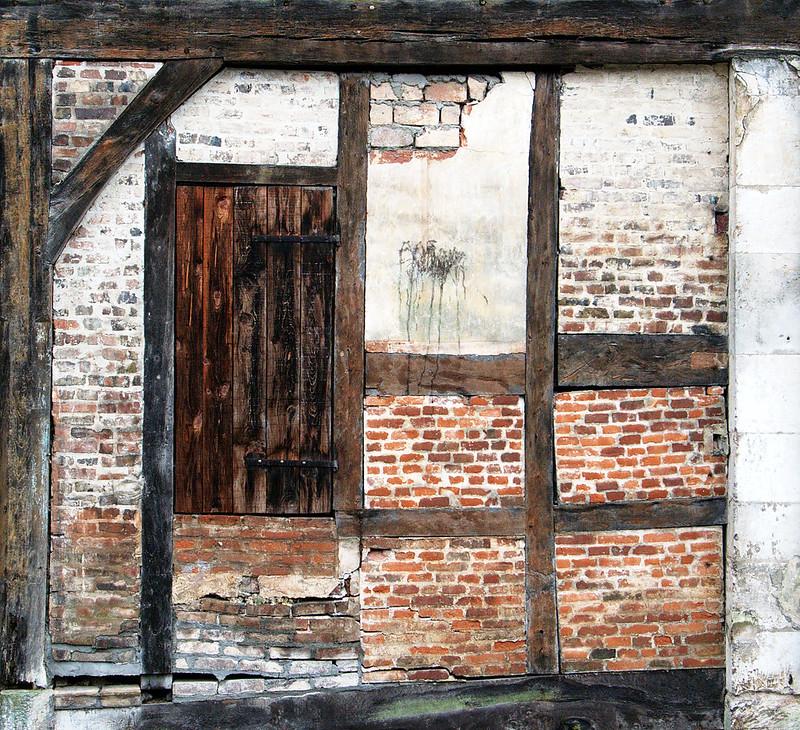 [Fil ouvert ] Fenêtres, volets, ouvertures... 24936710816_28ddbee33e_c
