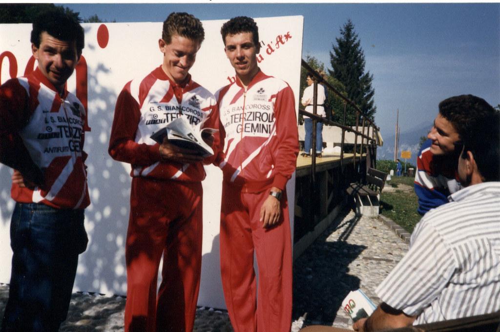 premiazione Gran Premio di Pregassona - Primo a sinistra Arzuffi, secondo Riccio a destra, terzo Zanini al centro
