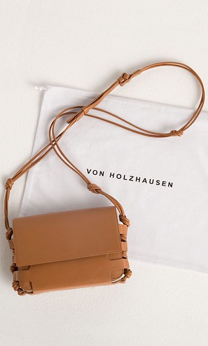 vonHolzhausen_Crossbody_Duster (1)