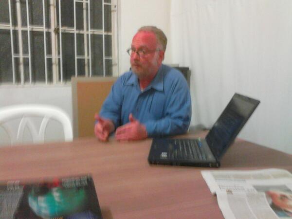 Photo:Mike Goldwin en Hackbo By Fundación Karisma Colombia