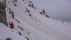 Piotr przeszedł niebezpieczny trawers w drodze do schroniska Marinelli Bombardiri 2813m i dolina Scerscen