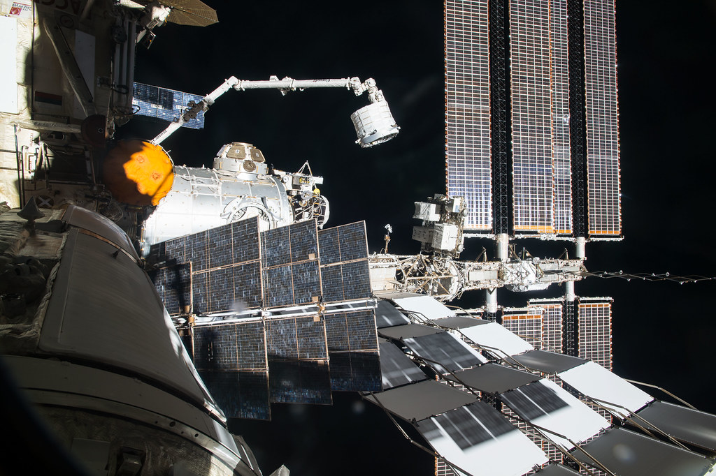iss047e061100