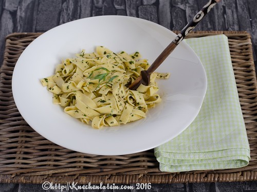 ribbon noodles with tarragon