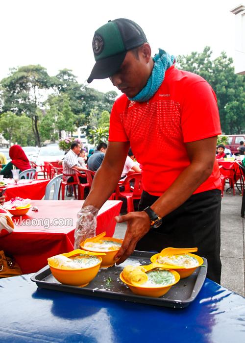 Serving Durian Cendol Shah Alam