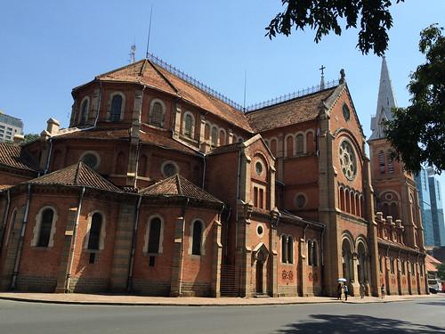 Ho Chi Minh Ville: la cathédrale Notre-Dame