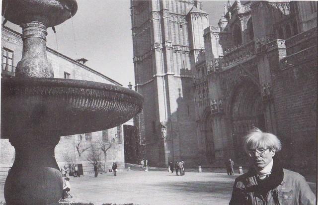 """Andy Warhol en Toledo el 24 de enero de 1983. Fotografía de Christopher Makos, publicada en su libro """"Warhol Makos"""" (Virgin, 1988)"""