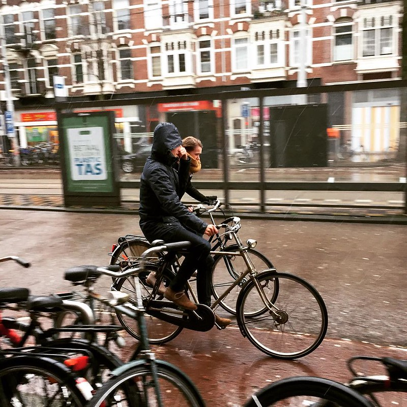 No day is too rainy for #amsterdammers. #depijp #Amsterdam