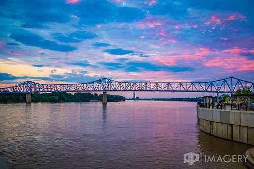 sunset usa downtown waterfront kentucky riverfront ohioriver owensboro bluebridge glovercary