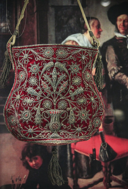 Women's bag, Velvet bag with silver thread embroidery, Europe, 17th c.