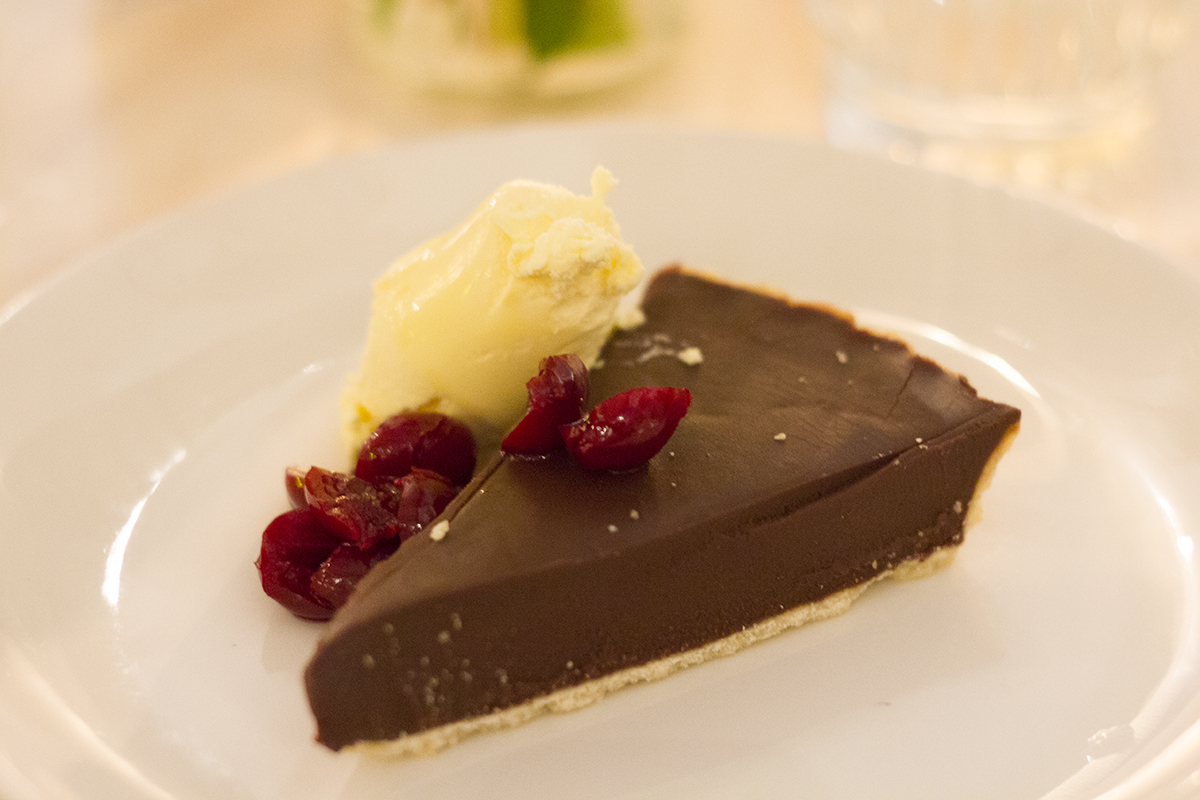 chocolate-ganache-cherry-tart-evelyns