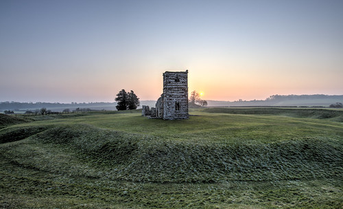 uk england cold sunrise canon eos dawn dorset 5d knowlton neolthic knowltonchurch 1635lii neolithichenge 5d3 canon5d3