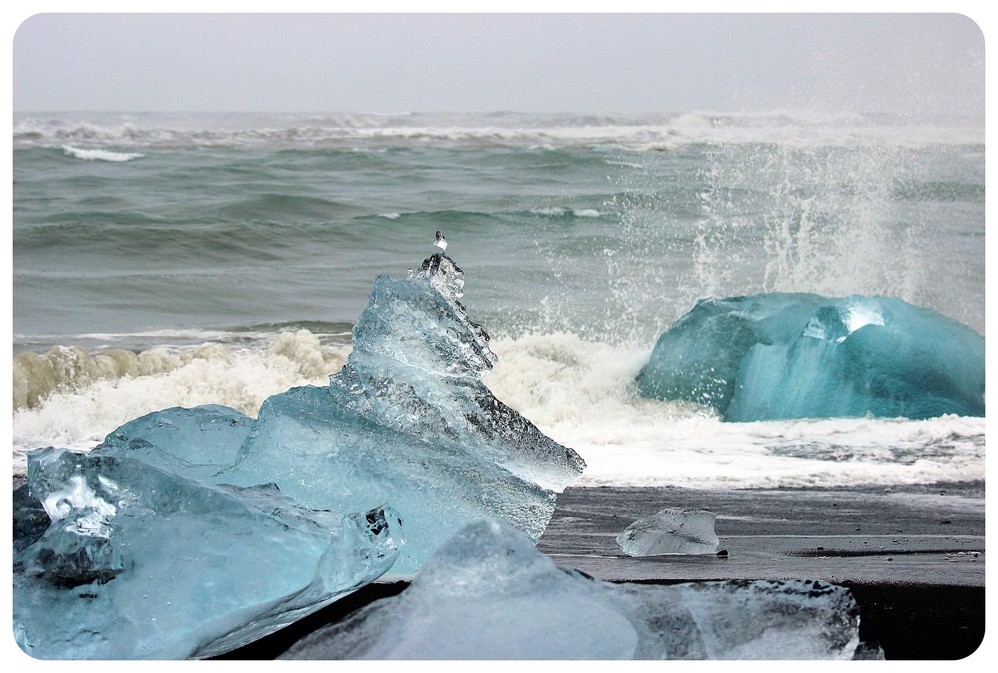jokulsarlon glacier lagoon ice beach