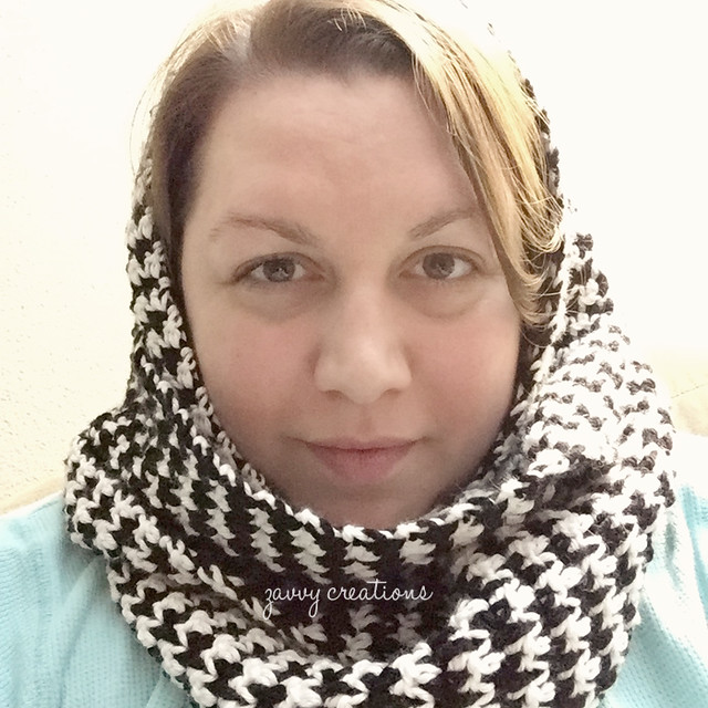 Crochet Houndstooth Infinity Scarf