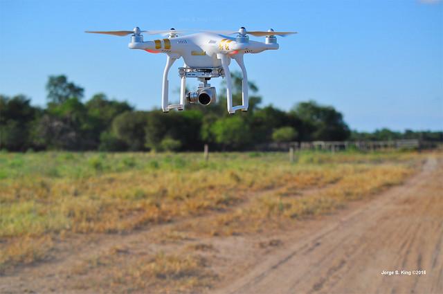 UAV DJI modelo Phantom 3