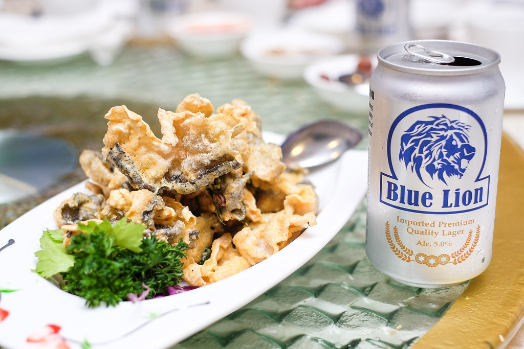 Swatow's Crispy Fish Skin with Salted Egg Sauce with Blue Lion Beer