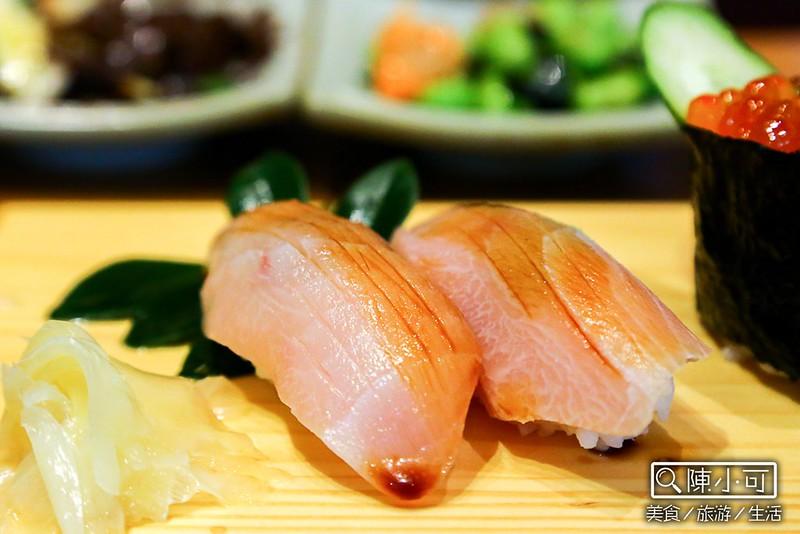 魚季 Sashimi&丼食 宜蘭美食餐廳推薦 宜蘭頭城日本料理 頭城火車站附近 頭圍文創園區 頭城老街必吃 宜蘭海鮮餐廳 綜合海鮮丼 握壽司