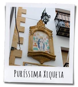 Casa Juan Vives met op de gevel de afbeeldig van de patroonheilige van het stadje
