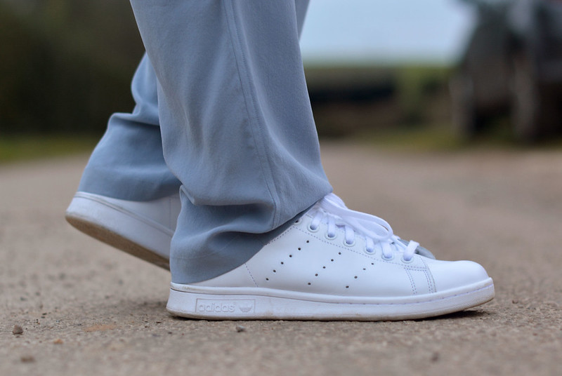 Loose silk pants, white Adidas Stan Smiths | Not Dressed As Lamb