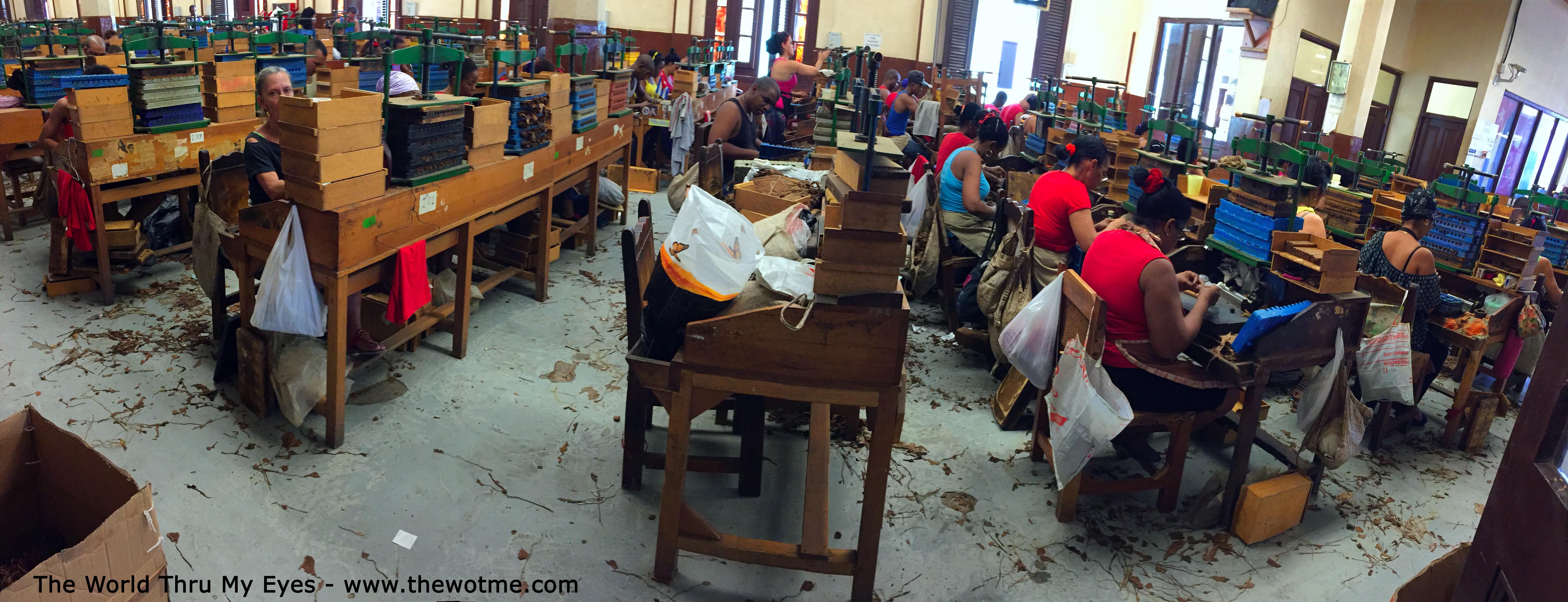 visita a la fábrica de puros de La Habana: Fabrica de Puros de La Habana en Cuba fábrica de puros de la habana - 25726652634 b904d43e27 o - Visita a la fábrica de puros de La Habana en Cuba
