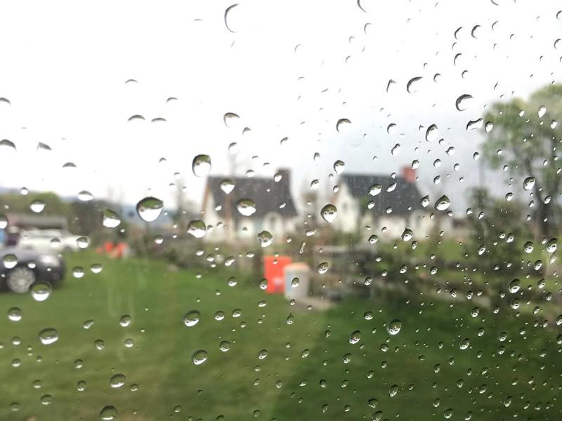 窗戶的水滴