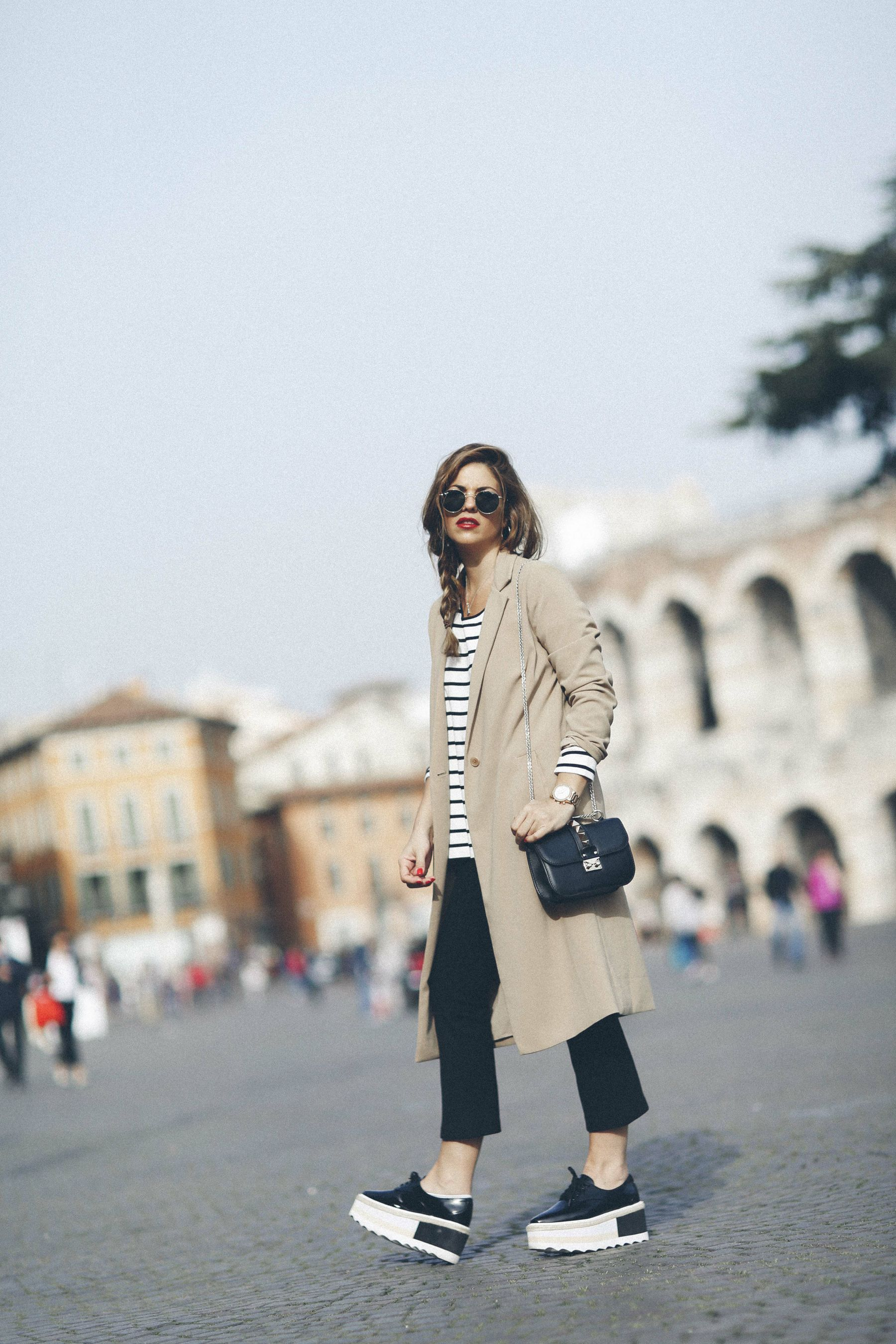outfit look primavera spring rayas stripes zara mango valentino bolso bag blazer rayban verona street style trendy taste_7