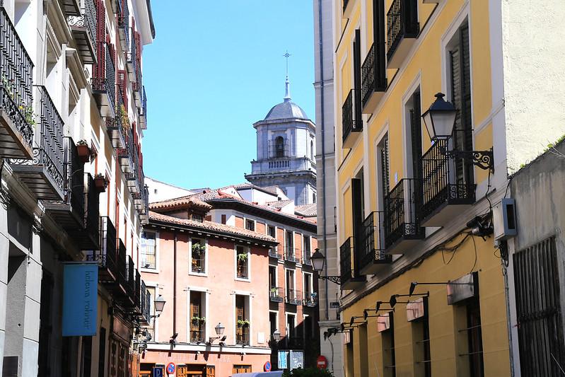 ruelle-maison-colorée-Madrid