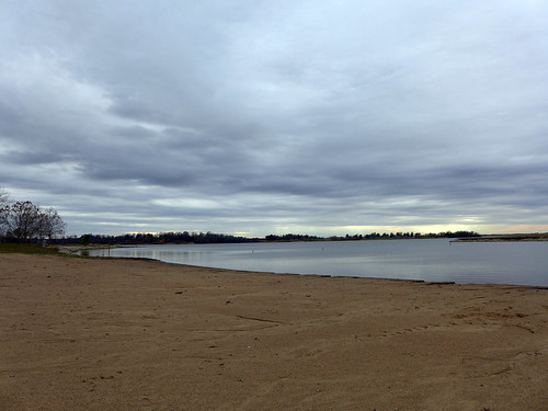 2015-11-20 - Walking at Smithville Lake Beach - 0057 [flickr]