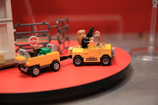 LEGO Marvel 76051 Super Hero Airport Battle 2