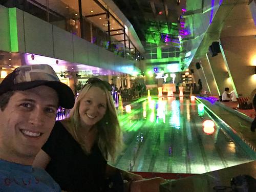 Erfrischung in der Skybar des Traders Hotel