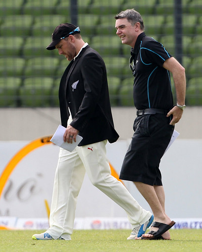 Nz captain McCullum going to toss on the ground-1