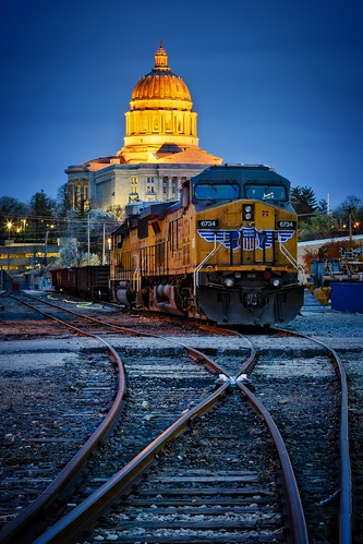 Notley Hawkins Photography, Jefferson City MO Photographer, Jefferson City MO Photo, Jefferson City Missouri Photography, Jefferson City Missouri, Union Pacific Railroad, locomotive, train, Jefferson City MO, nocturne, blue hour