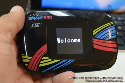 Evoluzn LTE pocket WIFI with data storage and LCD screen