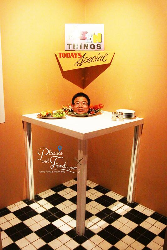 philip island amaze n things table head
