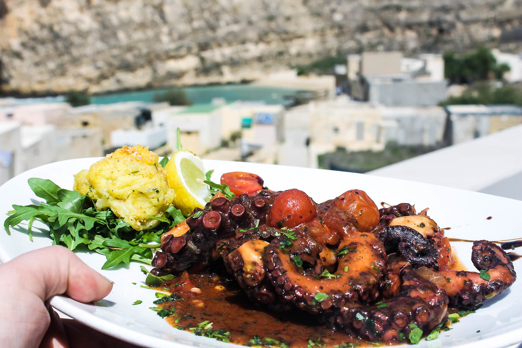 lunch at azure window