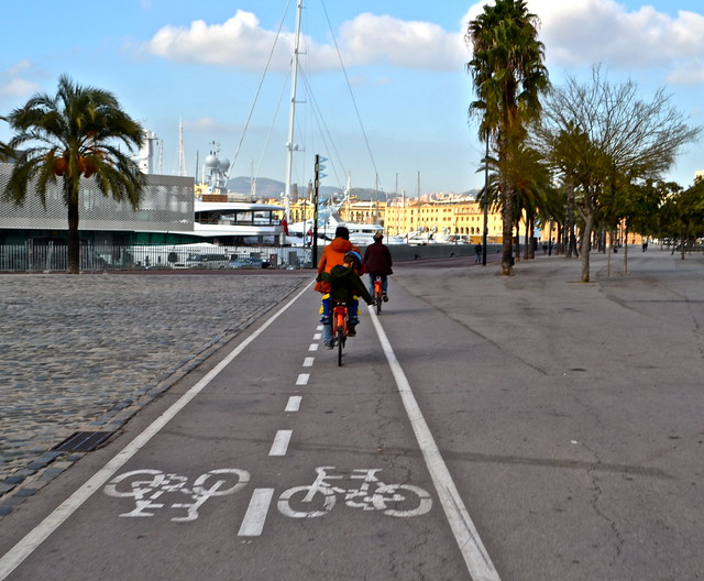 barcelona city tour - bike lanes