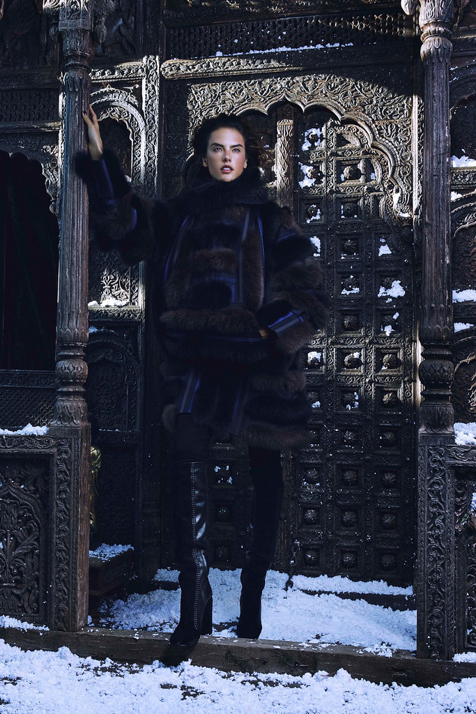 Алессандра Амбросио — Фотосессия для «Harper's Bazaar» KZ 2015 – 3