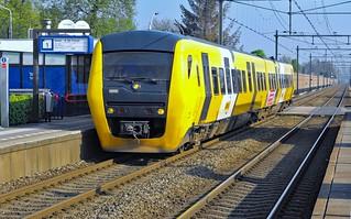 Elst Syntus Buffel 57 als trein 31136 naar Tiel
