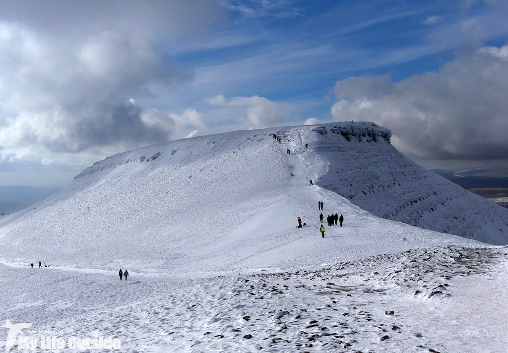 P1000370 - Pen y Fan, Feb 2016