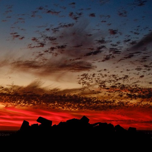 Sunsets can be pretty spectacular up in the Pilbara. . . Made with my #fujixe1, a #SOOC image. . #Karratha #Pilbara #westernaustralia #seeaustralia #westisbest #thisiswa #exploreaustralia #wanderaustralia #australiagram #sunrise #sihlouette #abcopen #pilb