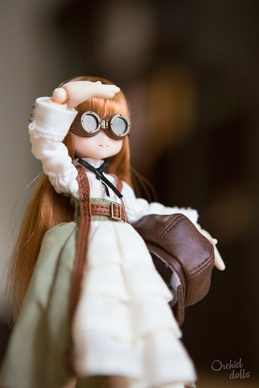 Unboxing Azone Neilly