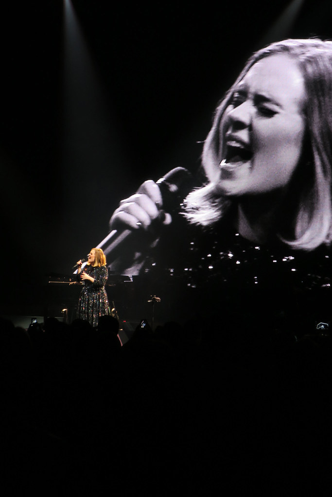 Adele-Live-2016-London-O2-008