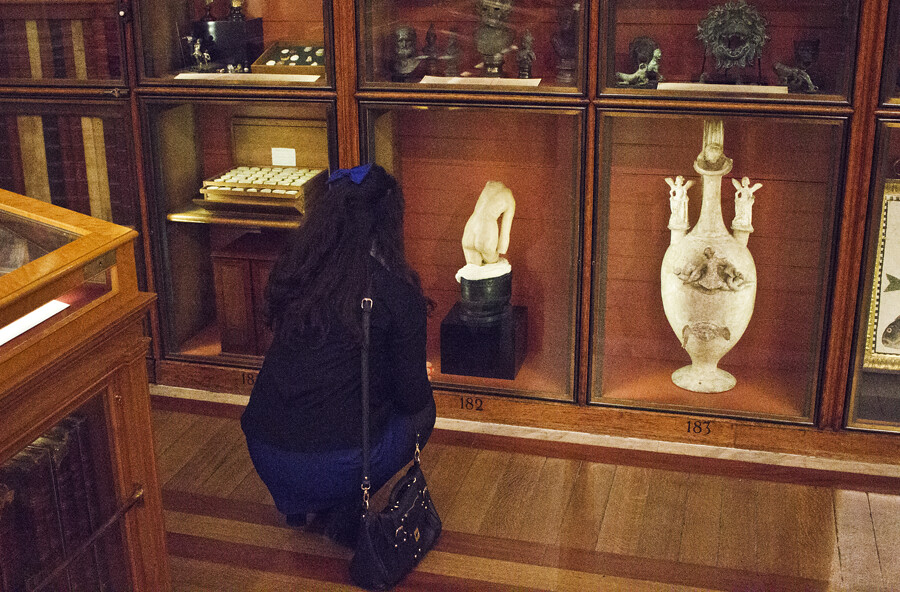 british museum, britishmuseum, the british museum, british museum london, artifacts at british museum, london, museums in london, london museums, things to do in london, blue dress, pop boutique, vintage, blue bow, american apparel