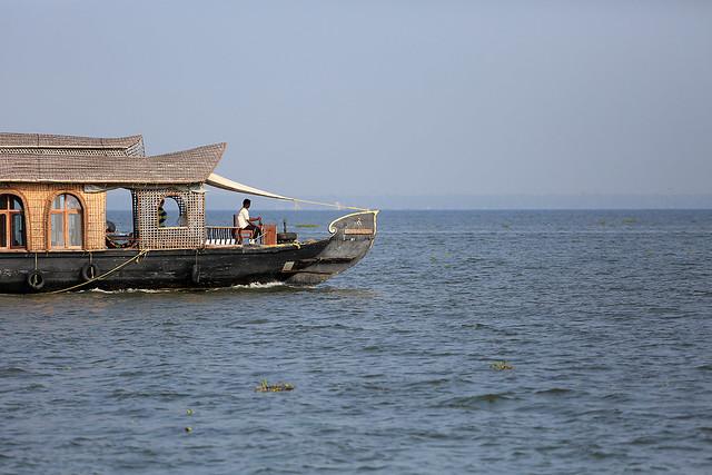 1604India-Boating3