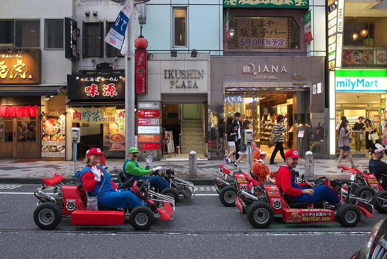 東京路地裏散歩 渋谷のマリオカー 2016年5月1日