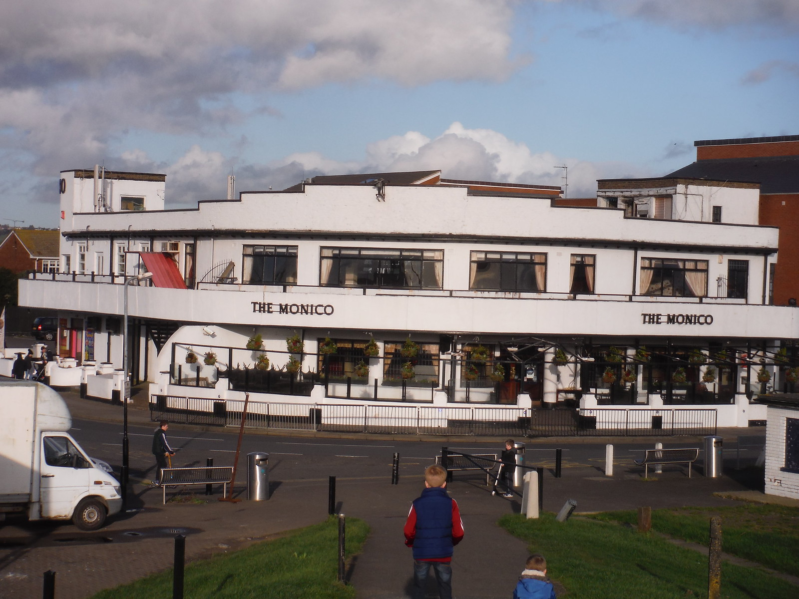The Monico (Pub, Club, Casino...), Eastern Esplanade, Canvey Island SWC Walk 258 Benfleet Circular (via Canvey Island)